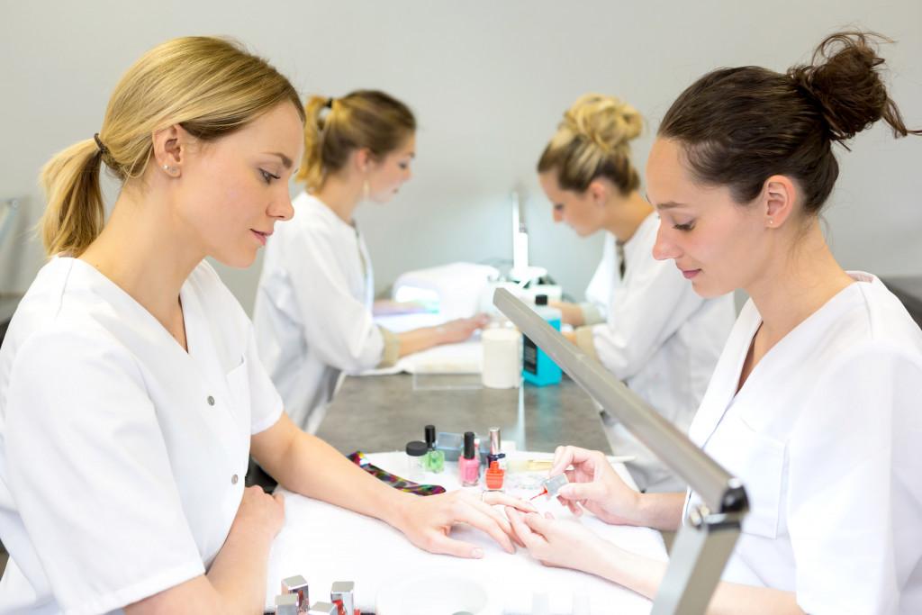 Manicure Training
